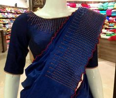 Lovely elegant look. Sari Design, Sari Blouse Designs, Saree Blouse Patterns, Bridal Blouse Designs, Kurta Designs, Saree Designs Party Wear, Saree Embroidery Design, Indian Silk Sarees, Embroidery On Clothes