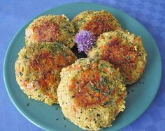 Millet and carrot patties - Hirse - Homemade Burgers Vegan Mac And Cheese, Healthy Smoothies, Smoothie Recipes, Drink Recipes, Homemade Burgers, Vegetarian Recipes, Healthy Recipes, Burger Recipes, Vegan Burgers