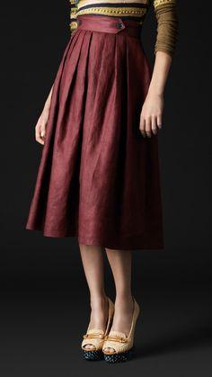 Pleat Front Heritage Skirt.