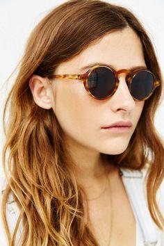 d02998d63c74 Dusen Dusen Oval Frame Sunglasses - Urban Outfitters Solbriller Kvinder