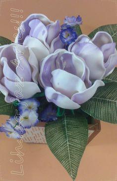 vasinho tulipas brancas com lilás em e.v.a