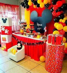 31 ideas para decorar Cumpleaños de Mickey Mouse Mickey Mouse Party Decorations, Mickey Mouse Birthday Decorations, Mickey 1st Birthdays, Mickey Mouse First Birthday, Mickey Mouse Baby Shower, Mickey Mouse Clubhouse Birthday Party, Mickey Mouse Parties, 2nd Birthday, Disney Parties
