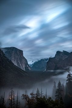 Download this photo in Yosemite Valley, United States by Casey Horner (@mischievous_penguins)