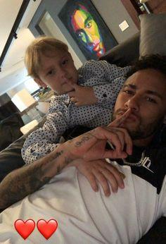 Neymar Jr, Neymar Football, Football Boys, Soccer Couples, Soccer Guys, Cute Gay Couples, Football Players, Psg, Wonder Boys
