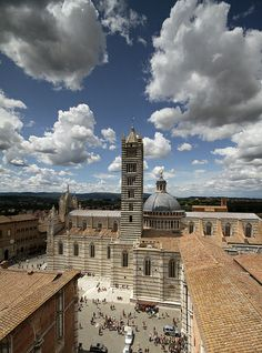 Duomo di Siena, Tuscany.  I was here days before the dome collapsed.  Morte: 6