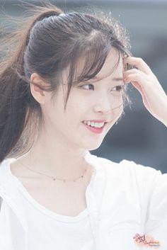 IU (Lee JiEun 160722 Incheon Airport departing for Nanjing Kpop Girl Groups, Kpop Girls, Korean Beauty, Asian Beauty, Korean Celebrities, Celebs, Korean Girl, Asian Girl, Iu Fashion