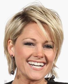 Short Hairstyles with Bangs for Fine Blonde Hair