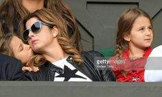 Federer family watching Roger at Wimbledon June 2016 Mirka Federer, Roger Federer, Wimbledon 2016, Tennis Legends, Tennis Players, Mirrored Sunglasses, Athlete, King, Poetry