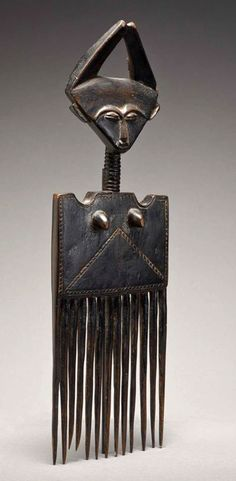 Africa | Comb from the Asante people of Ghana | Wood | Early 20th century