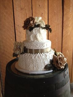 Helped a friend with this rustic country wedding cake