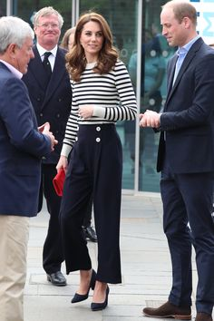 Kate Middleton Outfits, Looks Kate Middleton, Estilo Kate Middleton, Kate Middleton Pictures, Kate Middleton Fashion, Casual Kate Middleton, Winter Outfits, Casual Outfits, Fashion Outfits