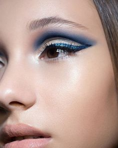 ND NEW STAR LINER in BLUE #MakeupbyNatashaDenona #mua  #NatashaDenona #NDStarLiner #new #glitter #eyeliner #glam #makeup #cateyes #makeupmusthave #makeupartist #makeupartist