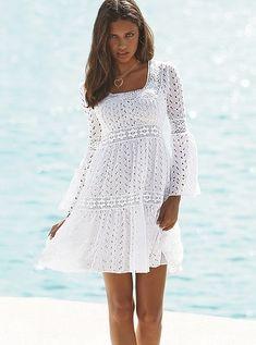 Patrones para Crochet: Patron Crochet Vestido Romantico - Romantic white crochet dress/tunic w/ long sleeves Mode Crochet, Crochet Lace, Crochet Gratis, Patron Crochet, Crochet Skirts, Crochet Clothes, Knit Dress, Dress Skirt, Dress Red