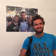 """TennisApproach on Instagram: """"Very special guest at the right place and time.  #ernestsgulbis #tennis #atp #professional #tennisplayers"""" Tennis Players, Special Guest, Photo And Video, Places, Fictional Characters, Instagram, Videos, Photos, Pictures"""