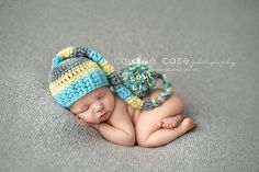 Sweet baby boy!!! Caralee Case Photography. Newborn Photography. #caraleecasephotography #photography #newbornphotography #elfhat #baby #pose