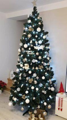 Vánoční stromky ozdobené našimi zákazníky | Svět Stromků Christmas Tree, Holiday Decor, Home Decor, Teal Christmas Tree, Decoration Home, Room Decor, Xmas Trees, Christmas Trees, Home Interior Design