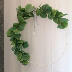 Delikatne koło z eukaliptusem śr. 40 cm Wreaths, Led, Home Decor, Decoration Home, Room Decor, Bouquet, Interior Decorating, Floral Arrangements