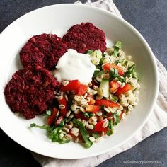 """""""Beet+chick pea+mushroom patties and barley salad ❤ Hi! What did you have for dinner today? I made these #vegan beet patties using www.chocochili.net…"""""""