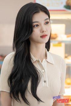 Kim Yu-jeong, Kim You Jung, Korean Beauty Girls, Korean Girl, Asian Beauty, Kim Yoo Jung Photoshoot, Kim Yoo Jung Fashion, Weightlifting Fairy Kim Bok Joo, Korean Celebrities