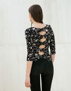 . Descubre ésta y muchas otras prendas en Bershka con nuevos productos cada semana