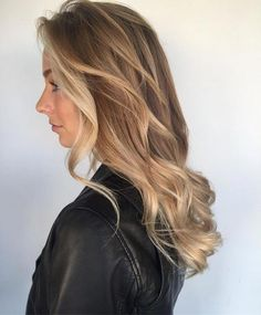 sweep dark and straight hairsty Balayage Hair Blonde blond Brunette Dark Hair Hairsty Straight sweep sweeping wide Straight Hairstyles, Cool Hairstyles, Wedding Hairstyles, Blonde Haircuts, Bob Haircuts, Honey Blonde Hair, Ombré Hair, Ombre Hair Color, Long Hair Cuts