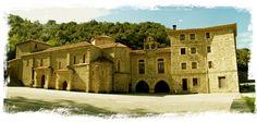 Santo Toribio de Liébana,Camaleño, Cantabria. Es posible que a mediados del siglo VIII, una vez consolidada la Reconquista en esta zona, se trajesen aquí los restos del obispo Toribio de Astorga y las reliquias del Lignum Crucis -que según la tradición él había traído de Jerusalén- para depositarlas en un lugar seguro como era este monasterio, que ya había adquirido cierto prestigio en el territorio cristiano