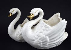 Beer Chicken, Country Landscaping, Made In Japan, White Swan, Indoor Planters, Crazy Colour, Mid Century Decor, Small Birds, Gold Paint