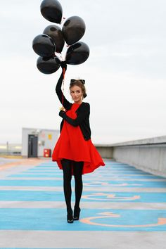 Black cardigan and red dress with tights and heels Tight Dresses, Nice Dresses, Tights And Heels, Black Tights, Black Leggings, Fashion Beauty, Fashion Looks, Fashion Shoot, Fashion Fashion