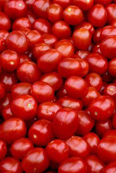 Tomatoes by MaranzaMax