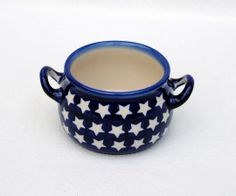 Lovely sugar bowl with little stars that can be used for serving soup too! Polish pottery :)