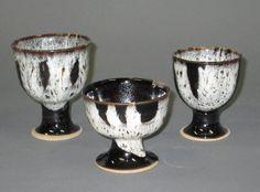 宮城の伝統的な陶器である堤焼のゴブレット。高校時代通学路の横に工房があったがどうやらすごいものだったらしい。白と黒のコントラストが美しい。