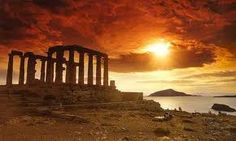 Day Trip to Sounion from Athens - Go for the Sunset at the Temple of Poseidon Beautiful Islands, Beautiful Beaches, Beautiful Sunset, Places Around The World, Around The Worlds, Best Sunset, Athens Greece, Attica Greece, Greece Trip
