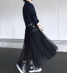 Super Womens Outfits With Sneakers Girls Ideas Super Womens Outfits mit Sneakers Girls Ideen Skirt Fashion, Hijab Fashion, Fashion Outfits, Womens Fashion, Fashion Trends, Fashion Fashion, Japanese Fashion, Korean Fashion, Looks Black