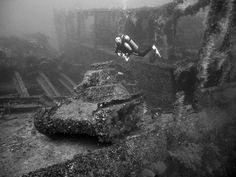A diver at the beautyful wreck: San Francisco Maru in Truk Lagoon-Micronesia Underwater Photos, Underwater Shipwreck, Underwater Ruins, Hulk, Best Scuba Diving, Ghost Ship, Real Ghosts, World Of Tanks, Diving