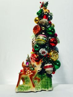 Mini Christmas Tree, Christmas Past, Christmas Toys, Retro Christmas, Christmas Decorations, Holiday Decor, Putz Houses, Bottle Brush Trees, Christmas Figurines