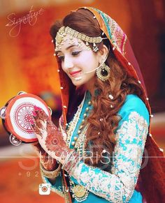 Image about girl in Wedding Corner by ⓏⓀ on We Heart It Bridal Mehndi Dresses, Pakistani Wedding Outfits, Pakistani Bridal Dresses, Pakistani Wedding Dresses, Bridal Outfits, Pakistani Mehndi, Wedding Attire, Muslim Women Fashion, Indian Fashion
