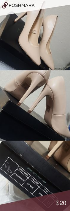 Nude Heels like new, with a mall pealing at the front Forever 21 Shoes Heels
