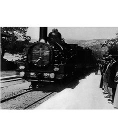 "In audiences sat down to watch ""L'Arrivée d'un Train en Gare de La Ciotat,"" an early film that showed a train pulling into a station. Hd Movies, Movies Online, Watch Movies, 10 Film, The Arrival, Image Originale, Film Studies, The Best Films, Silent Film"