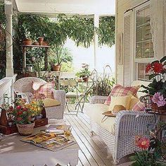 Oooh and lazy afternoon reading on this heavenly porch! Cottage Porch, Cozy Cottage, Cottage Style, House Porch, Outdoor Rooms, Outdoor Living, Outdoor Furniture Sets, Outdoor Decor, Porch Veranda