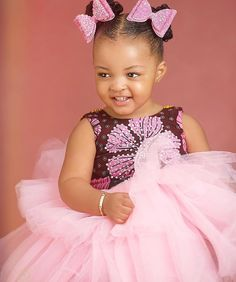 Kids wear Baby African Clothes, African Dresses For Kids, African Fashion Dresses, Cute Baby Clothes, African Kids, African Wear, Baby Girl Party Dresses, Little Girl Dresses, Girls Dresses