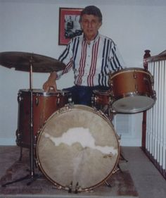 D.J. Fontana and THE Gretsch kit! Vintage Drums, Vintage Records, Scotty Moore, Gretsch Drums, Karen Carpenter, Drumline, Drum Sets, Crappie Fishing, Percussion