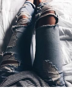 Boyfriend jeans > sweats _ via @alessandravento_