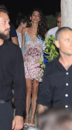 Fashion Assistance: Amal Clooney,de Stella McCartney, fiesta y negocios en Ibiza
