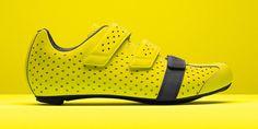 Zapatillas para presumir. Utilizados por los integrantes del Team Sky en las mejores competiciones del mundo, las Climber's Shoes ahora están disponibles en una versión altamente reflectante.