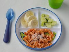 A three-sectioned plate with tomato and cheese pasta, banana chunks and cubed cucumber. Healthy Toddler Meals, Toddler Lunches, Kids Meals, One Pot Meals, Baby Food Recipes, Healthy Recipes, Leftovers Recipes, Mediterranean Recipes, Nutritious Meals