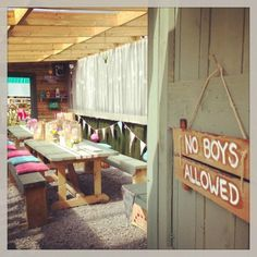 The Hen Planner is the home of the classy hen party! Keeping hen parties stylish since 2012, we love unusual, trendy and fun ideas, anything but the tack!