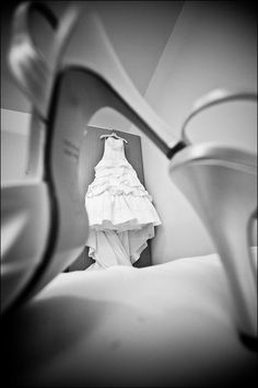 Wedding photography idea: dress in focus, shoes out of focus, do another shot with shoes in focus and dress out of focus