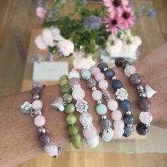 Homemade Jewelry, Hippie Jewelry, Dangles, Jewelry Making, Beaded Bracelets, How To Make, Ideas, Ear Studs, Bangle Bracelets