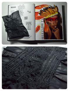 Estudo com: colagem, nanquim, caneta marcador e tecido. Inspirado na cultura indígena brasileira.