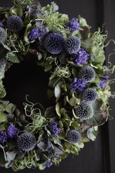 beautiful decorative wreath with leaves and deep purple dried flowers Dried Flower Wreaths, Lavender Wreath, Wreaths And Garlands, Xmas Wreaths, Dried Flowers, Flower Garland Wedding, Flower Garlands, Flower Decorations, Deco Floral